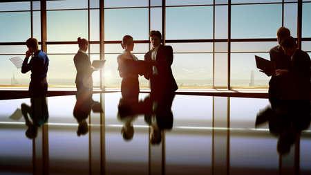 Foto de team of successful business people - Imagen libre de derechos