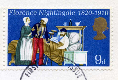 Photo pour UNITED KINGDOM - CIRCA 1970: A used British postage stamp commemorating the 150th Anniversary of the birth of the mother of modern nursing, Florence Nightingale, circa 1970. - image libre de droit