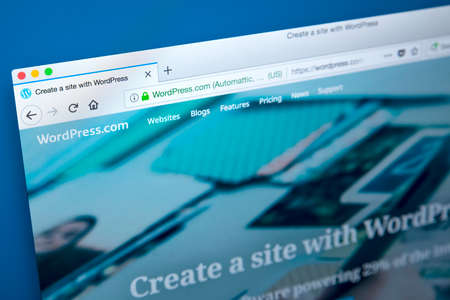 Foto de LONDON, UK - JANUARY 25TH 2018: The homepage of the official website for WordPress - the online content management system, on 25th January 2018. - Imagen libre de derechos