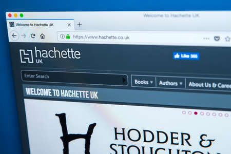 Foto de LONDON, UK - JANUARY 8TH 2018: The homepage of the official website for Hachette - the French publisher, on 8th January 2018. - Imagen libre de derechos