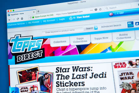Foto de LONDON, UK - JANUARY 8TH 2018: The homepage of the official website for The Topps Company - the manufacturer of chewing gum, candy and collectibles including sports trading cards, on 8th January 2018. - Imagen libre de derechos