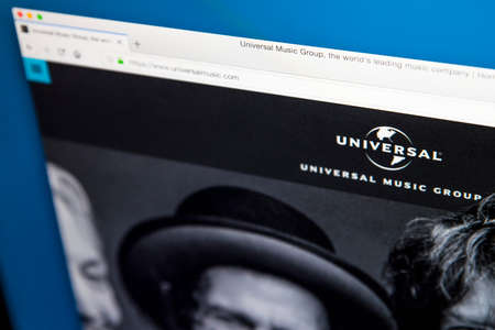 Foto de LONDON, UK - MAY 29TH 2018: The homepage of the official website for the Universal Music Group - the American global music corporation, on 29th May 2018. - Imagen libre de derechos