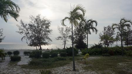 Foto de tropical beach of otres near sihanokville in cambodia - Imagen libre de derechos