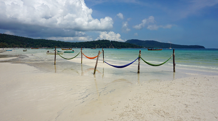 Foto de relaxing hammocks on tropical island in cambodia - Imagen libre de derechos