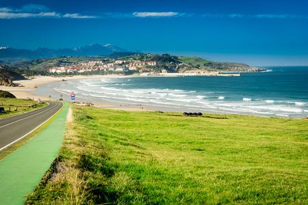 Foto de Meron beach.San Vicente de la Barquera.Santander.Spain. - Imagen libre de derechos