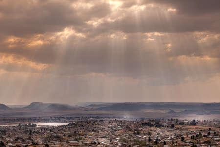 Photo pour Dramatic sky over the city of Maseru - image libre de droit