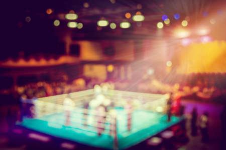 Photo pour vintage blur boxing ring with spot light. - image libre de droit