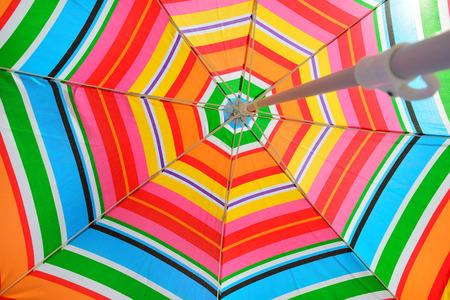 Foto de Parasol on beach seen from under - Imagen libre de derechos