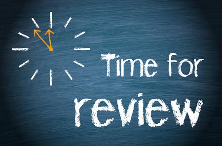 Photo pour Time for review - image libre de droit