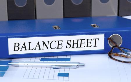 Photo pour Balance Sheet - image libre de droit