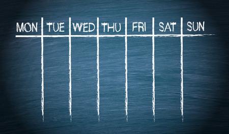 Photo pour Weekly Calendar on blue Chalkboard - image libre de droit