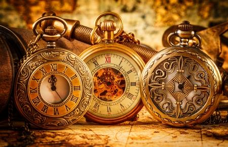 Foto de Vintage Antique pocket watch. - Imagen libre de derechos