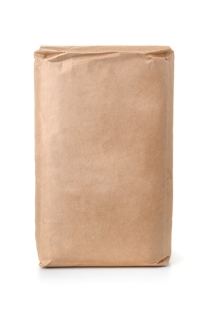 Photo pour Front view of blank brown paper bag isolated on white - image libre de droit
