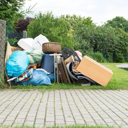 Photo pour Pile of bulky waste - image libre de droit