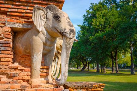 Foto de Wat Sorasak Temple at Sukhothai Historical Park, a UNESCO World Heritage Site in Thailand - Imagen libre de derechos