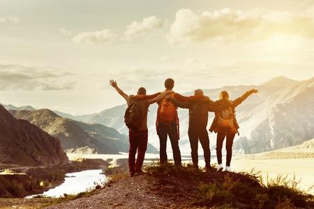 Photo pour Happy friends travel expedition concept - image libre de droit