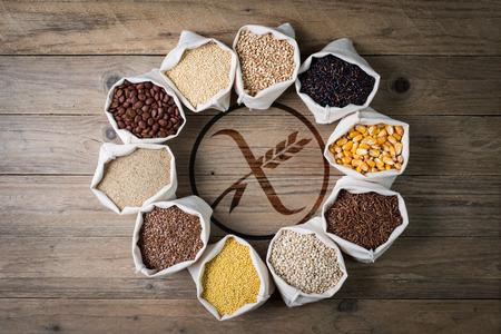Foto de cereali senza glutine con gluten free - Imagen libre de derechos