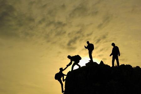 Photo pour Young climber team - image libre de droit