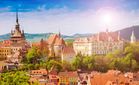 Photo pour Panoramic view over the cityscape architecture in Sighisoara town, historical region of Transylvania, Romania - image libre de droit