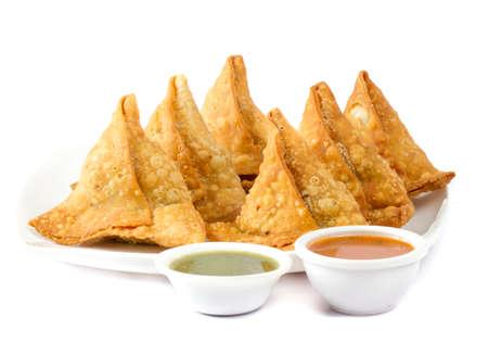 Foto de Indian special traditional street food SAMOSA - Imagen libre de derechos
