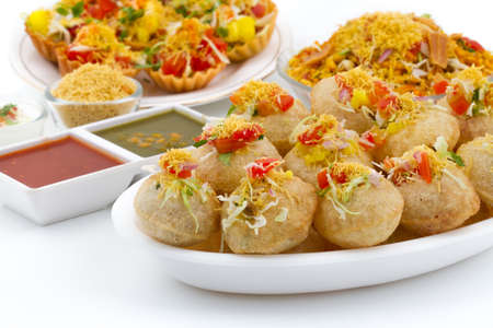 Foto per Indian traditional healthy food Sev Puri. - Immagine Royalty Free