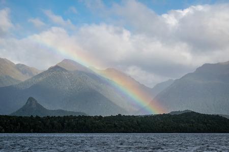Foto de Lake Manapouri, New Zealand - Imagen libre de derechos