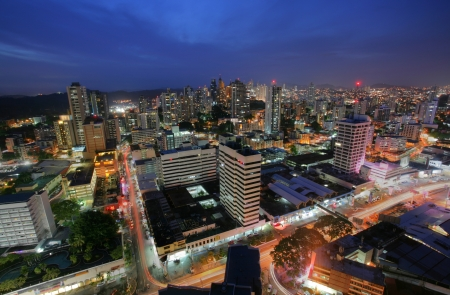 Photo pour Panama City in the twilight - image libre de droit