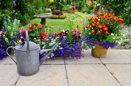 Photo pour English country garden - image libre de droit