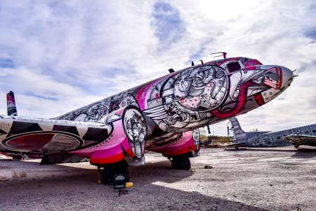 Foto de Tucson, Arizona, USA - December 27, 2016: The Bone Yard Project: Return Trip - Imagen libre de derechos