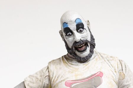 Foto de london, england, 05/05/2018 captain spaulding serial killer clown action figure  from the film house of 1000 corpses and devils rejects.  1990s.  created by rob zombie film director and writer. - Imagen libre de derechos