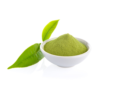 Photo pour powder green tea and green tea leaf  on white background - image libre de droit