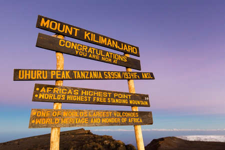 Foto de Uhuru Peak highest summit on Mount Kilimanjaro in Tanzania, Africa. - Imagen libre de derechos