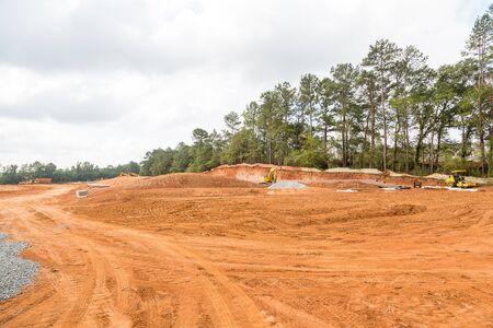 Photo pour Graded dirt for new homes at a construction site - image libre de droit