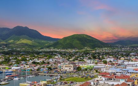 Photo pour Sunset Beyond St Kitts - image libre de droit