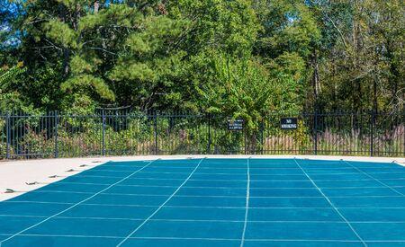 Photo pour Vinyl Cover on Swimming Pool for Winter - image libre de droit