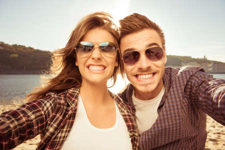 Foto per Two lovers making funny selfie - Immagine Royalty Free