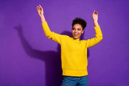 Photo pour Portrait of cute delighted youth screaming shouting have free time isolated over violet background - image libre de droit