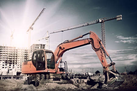 Photo pour excavator on construction site - image libre de droit