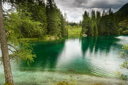 Foto de Landscape with mountains and turquoise lake-Gruener See,Styria,Austria   - Imagen libre de derechos