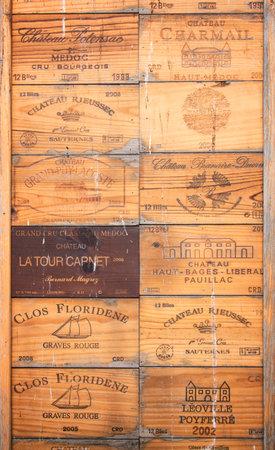 Photo pour Collection of old Bordeaux wine wood boxes - image libre de droit