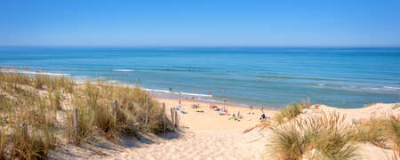Foto de Panorama of the dune and the beach of Lacanau, atlantic ocean, France - Imagen libre de derechos