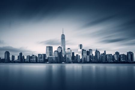 Photo pour New York City Lower Manhattan with new One World Trade Center - image libre de droit