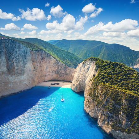 Foto de The amazing Navagio beach in Zante, Greece, with the famous wrecked ship - Imagen libre de derechos