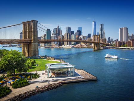 Foto per Brooklyn Bridge in New York City - aerial view - Immagine Royalty Free