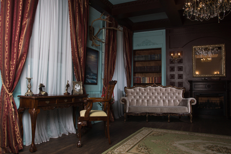 Photo pour Classical library room with old books on shelves in the victorian style - image libre de droit