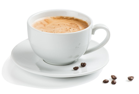Photo pour Coffee in a white cup and beans isolated on a white background. - image libre de droit