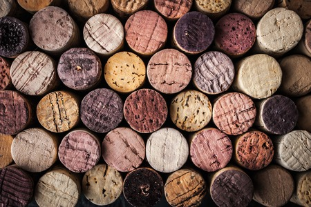 Photo pour Wine corks background close-up - image libre de droit
