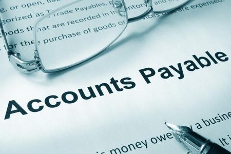 Photo pour Paper with sign Accounts payable. Business concept. - image libre de droit