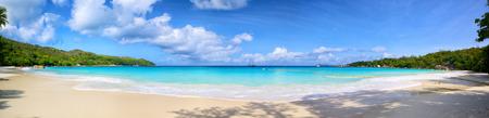 Photo pour Anse Lazio beach panorama, Praslin Island, Seyshelles - image libre de droit