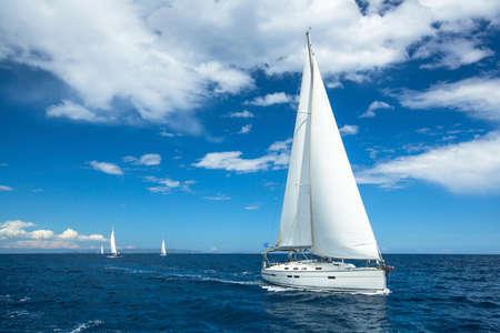 Foto de Sailing. Boat in sailing regatta. Luxury yachts. - Imagen libre de derechos
